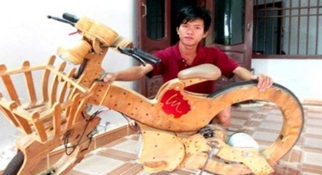 Xe đạp điện được làm bằng ván ép của chàng sinh viên Huỳnh Phước Đức.