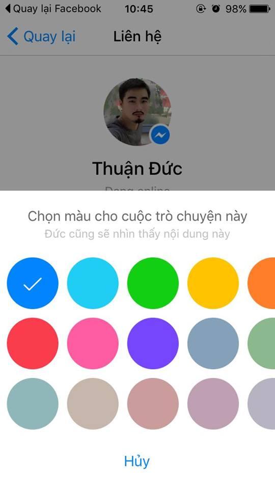 Bấm vào tùy chọn màu sắc để chọn chủ đề cho toàn bộ cuộc nói chuyện, màu ô text khi chat sẽ đổi theo lựa chọn của bạn