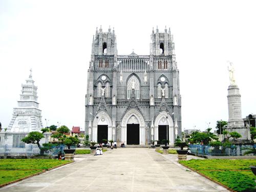 Nhà thờ Phú Nhai. Ảnh: Svbuichu.