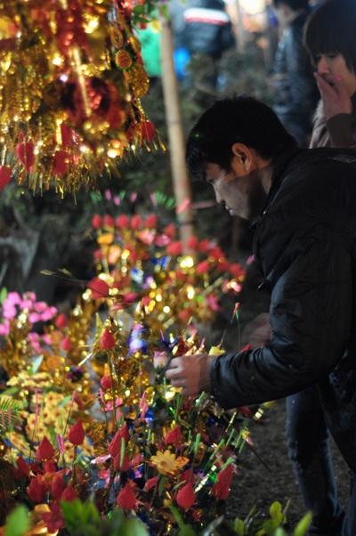 Chợ Viềng xuân ngập tràn màu sắc và đầy ý nghĩa.