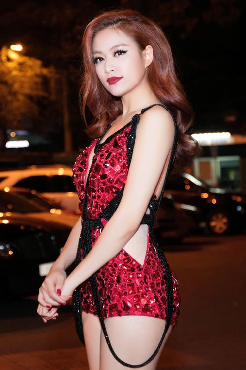 Dàn sao Việt diện váy sexy tại chung kết Siêu mẫu