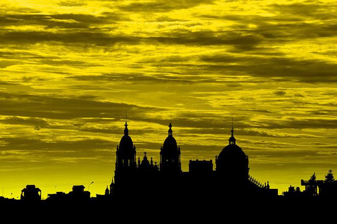 Những tháp chuông nhà thờ ẩn hiện nơi chân trời luôn là hình ảnh đặc trưng của vùng đất xứ đạo.