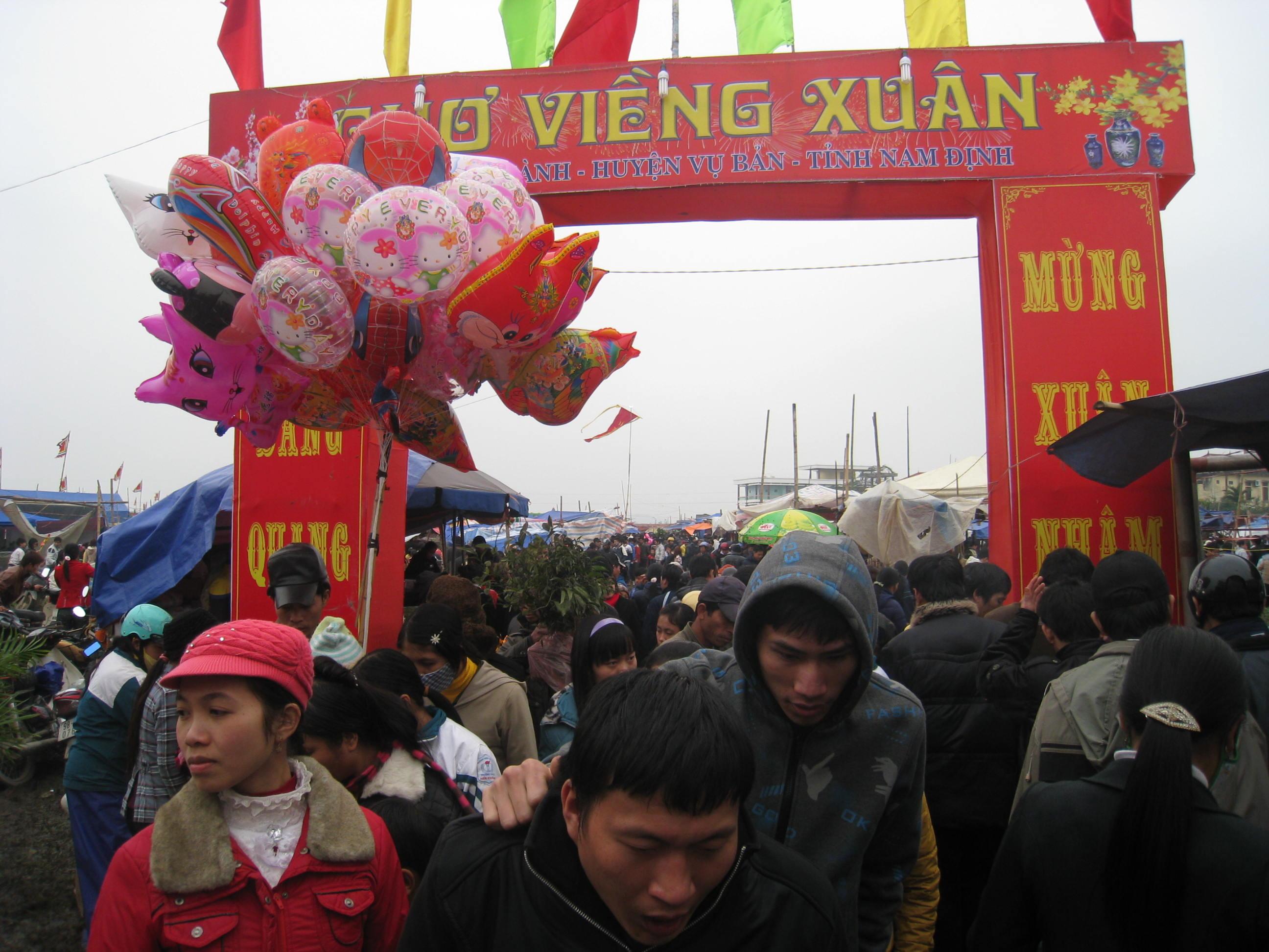 Ở Nam Định thì nên đi chơi những đâu ?
