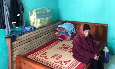Chiếc giường đồng đội tặng cho ông Lân
