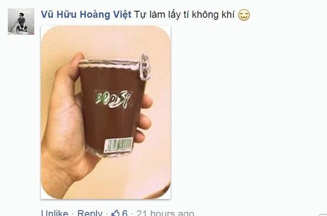 Trong khi đó, bạn Vũ Hữu Hoàng Việt lại tự mình làm một chiếc ly giấy, được trang trí bằng dòng chữ Pepsi cách điệu và chiếc nắp lon đầy ngẫu hứng.