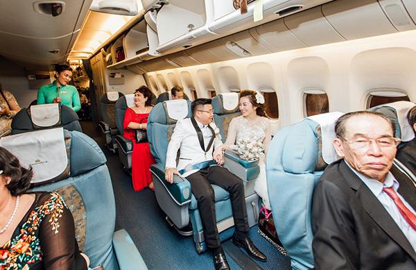 Đám cưới được rước dâu bằng máy bay