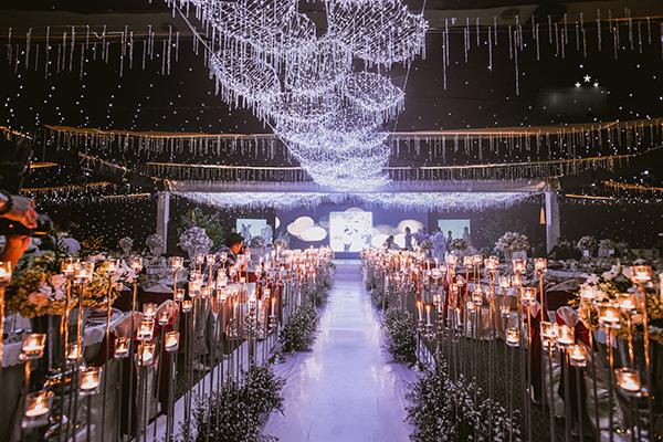Không gian lễ cưới được trang hoàng lộng lẫy