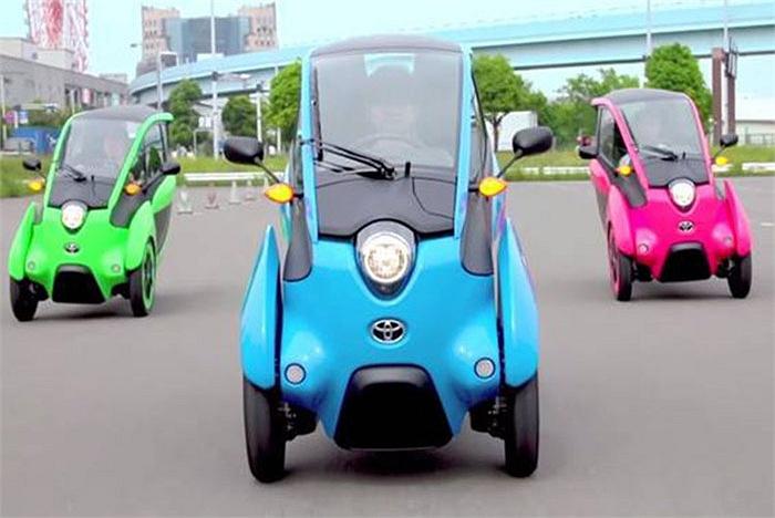 Những chiếc xe điện của hãng Toyota có kiểu dáng lạ mắt, nhỏ gọn, với nhiều màu sắc cực dễ thương.