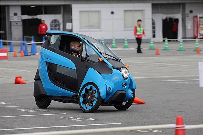Mẫu xe điện 3 bánh này có tên Toyota i-Road EV