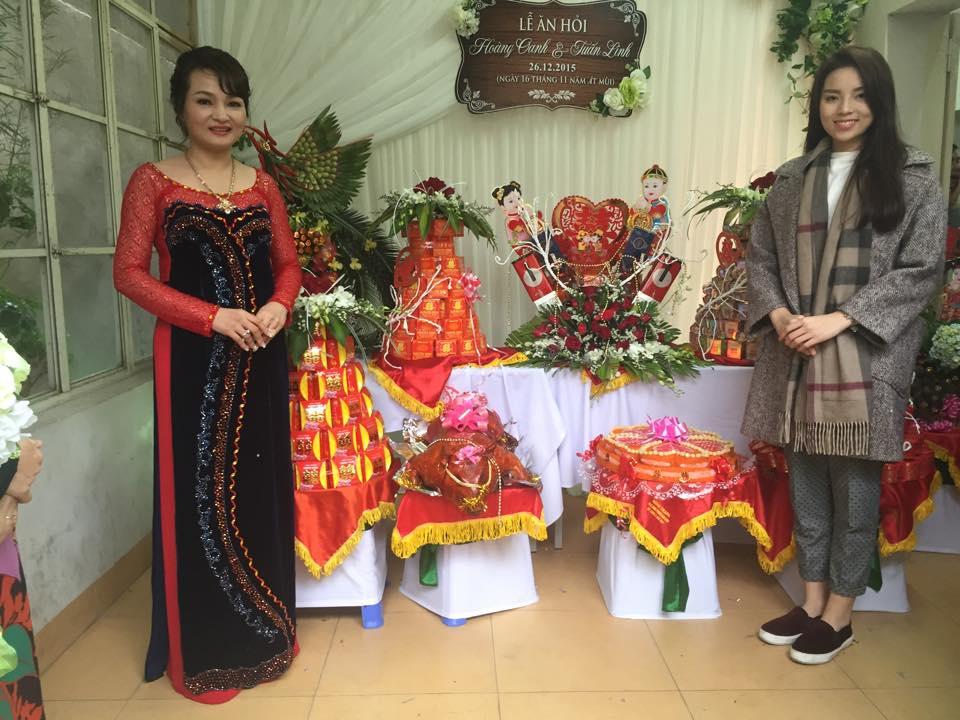 Kỳ Duyên và mẹ lưu hình ảnh kỷ niệm trước sính lễ chuẩn bị sang nhà gái