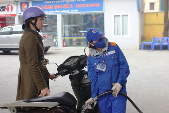 Các mặt hàng dầu giữ nguyên giá và chi quỹ bình ổn.