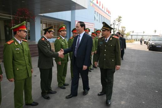Trong không khí đón xuân mới,  lực lượng công an Nam Định vui mừng được đón Ủy viên Bộ Chính trị, Đại tướng, Bộ trưởng Bộ Công an Trần Đại Quang về thăm…