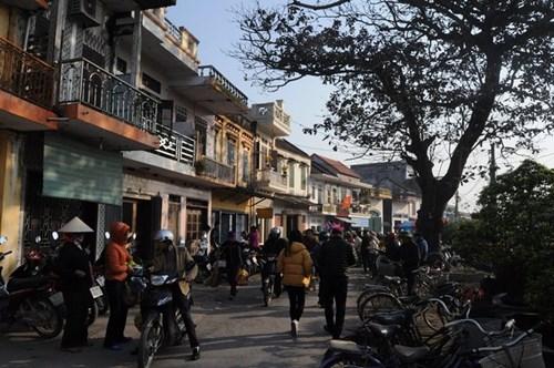 Đây là con đường dẫn vào chợ chính, đi qua khu phố cổ từ thời Pháp thuộc.