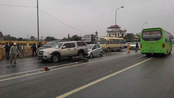 Hiện trường vụ tai nạn vào 9h sáng tại quốc lộ 10, TP.Nam Định (Nam Định).