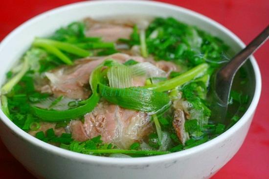 Một tô phở bò Nam Định đúng chất về màu sắc và hương vị