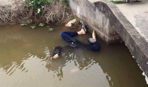 Phát hiện thi thể người đàn ông chết dưới sông ..