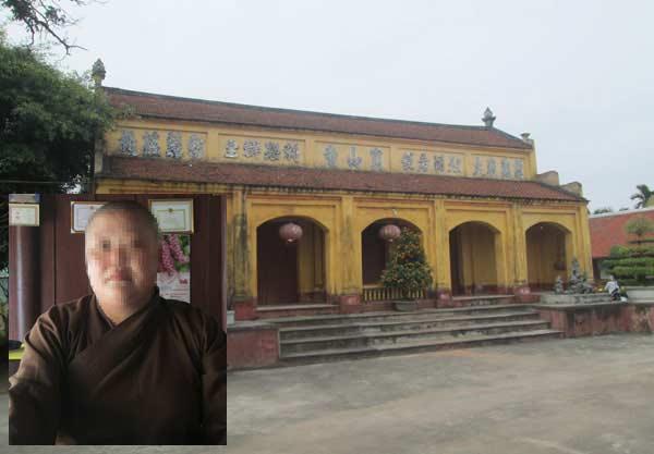 Sư trụ trì đã phải bán cả lợn, ngan mới đủ tiền trả khoản nợ mua mã hàng đa cấp. Ảnh: Dân Việt