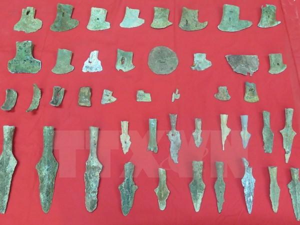 Các hiện vật được trao tặng cho Bảo tàng tỉnh Nam Định. (Ảnh: Hiền Hạnh/TTXVN)