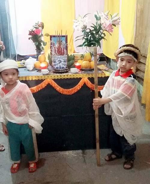 Hai đứa trẻ mới 5 tuổi và 3 tuổi giờ đây mồ côi cả cả bố và mẹ vì căn bệnh ung thư.