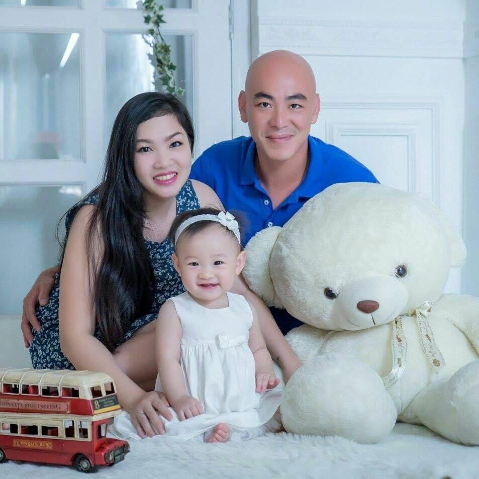 Cô gái Việt đang sống ở Malaysia tìm mẹ và em trai thất lạc 24 năm. Ảnh NVCC