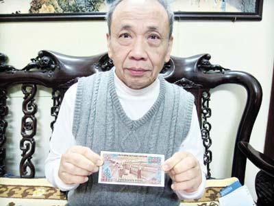 Hoạ sỹ Phạm Văn Quế, người đã thiết kế mặt sau của tờ tiền 2.000 đồng. Ảnh: Quốc Hưng