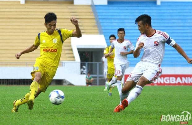 Kiếm được dù chỉ 1 điểm trên sân Đồng Nai, Nam Định đoạt lại ngôi đầu từ tay CLB TP.HCM. Ảnh: Quang Thịnh.