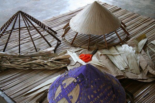 vẽ đẹp của nón lá Nam Định - Ảnh: Sưu tầm