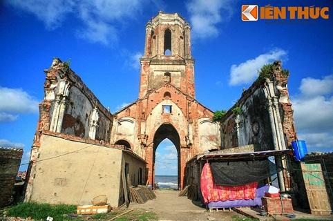 Khu vực này từng là một giáo xứ sung túc và trù phú, với một quần thể nhà thờ ven biển cùng các làng xóm của ngư dân.