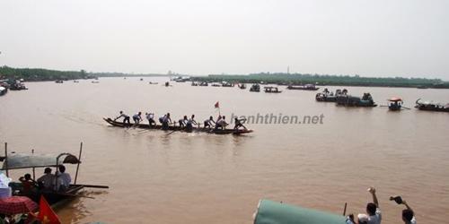 Lễ Hội Chùa Keo Hành Thiện diễn ra trên Sông Ninh Cơ