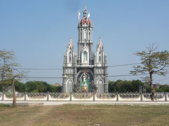 Nhà thờ Giáo xứ Ngoại Ðông – Nam Trực Nam Định