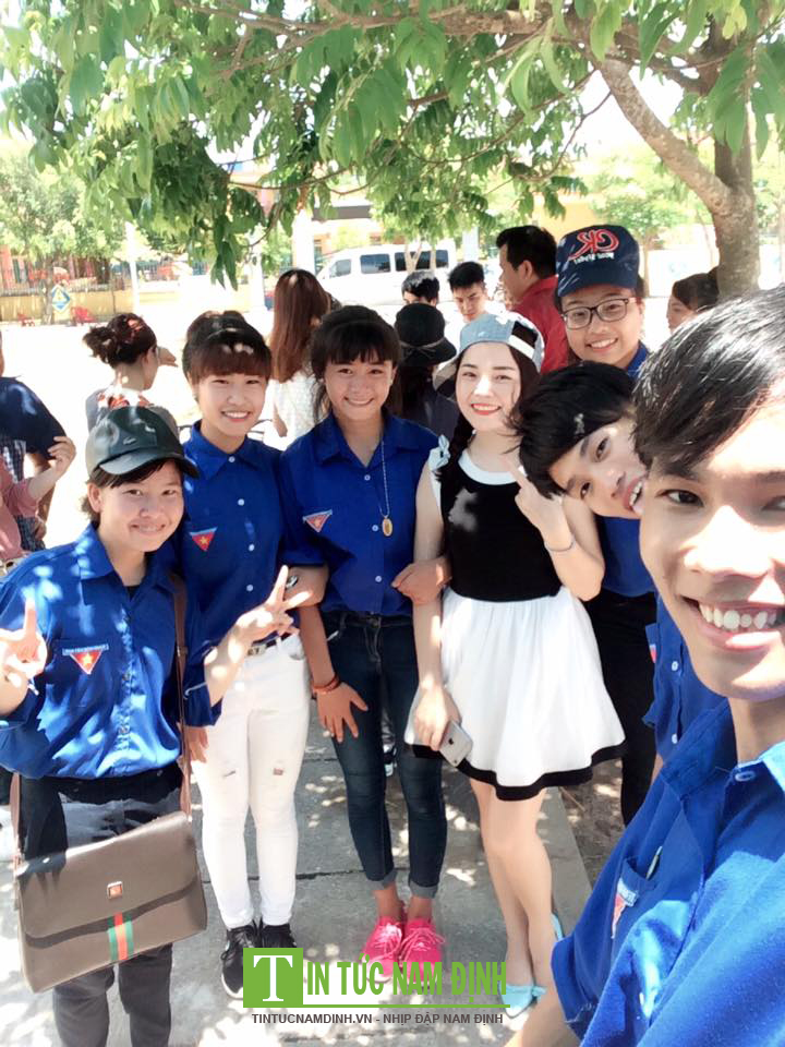 Những cô gái xinh đep của CLB tình nguyện Thành Nam