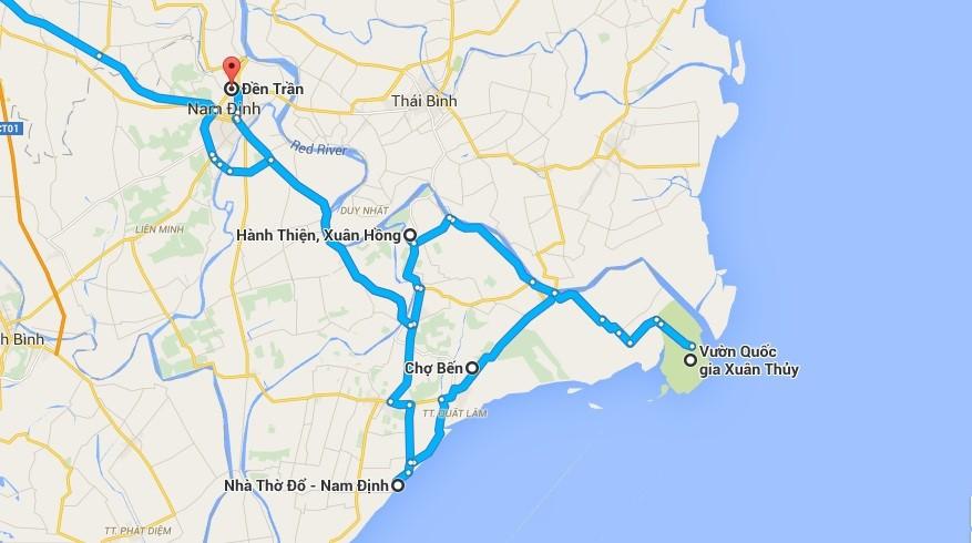 Xuất phát từ Hà Nội, bạn đi theo quốc lộ 1A, qua Phủ Lý rồi rẽ hướng Nam Định với đoạn đường không quá dài, dễ đi. Một chuyến phượt vòng quanh Nam Định vô cùng hấp dẫn.