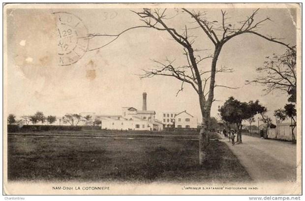 Nhà máy Dệt Nam Định trong bưu ảnh thời thuộc địa.