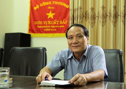 Ông Nguyễn Văn Miêng (Giám đốc Tổng công ty Cổ phần dệt may Nam Định) nhớ lại thời vàng son của nhà máy dệt Nam Định.