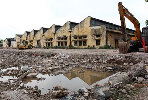 """Những khối nhà xưởng cũ, dấu ấn của """"Thành phố dệt"""" một thời nay sắp sửa bị phá bỏ để xây dựng thành Khu đô thị Dệt may Nam Định."""