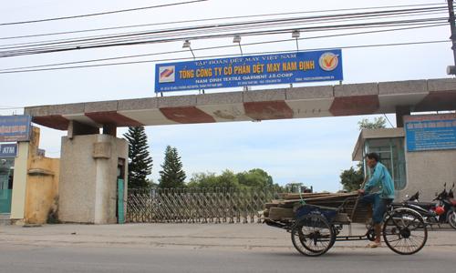 Dệt May Nam Định từng có thời kỳ tạo ra công ăn việc làm cho 10% dân số thành phố, mang về thu nhập khấm khá cho người lao động. Ảnh: Trần Huấn.