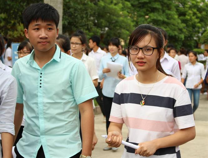 Các thí sinh tham dự ngày thi THPT đầu tiên tại Nam Định