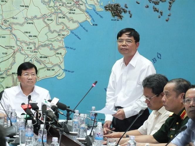 Bộ trưởng Bộ NN-PTNT Nguyễn Xuân Cường, Trưởng BCĐ Phòng chống thiên tai Trung ương, phát biểu tại cuộc họp
