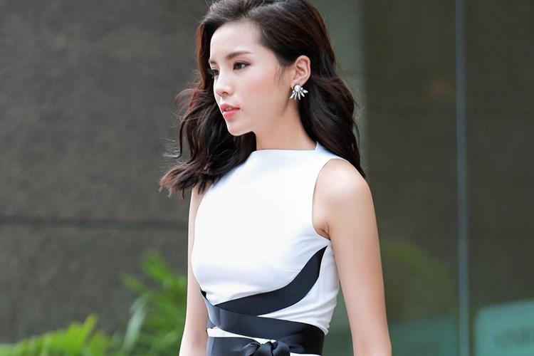 """Kể từ khi đăng quang Hoa hậu Việt Nam 2014, Kỳ Duyên vướng không ít lùm xùm đời tư. Tuy nhiên, loạt ồn ào gần đây khiến cô """"lao đao"""" nhất cho đến thời điểm hiện tại. Cụ thể, sau scandal hút thuốc lá, Kỳ Duyên đã đánh mất khá nhiều thứ."""