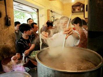"""""""Tuyệt kỹ"""" phở Vân Cù Nam Định"""
