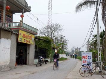 Quán phở đầu làng Vân Cù