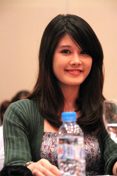 Minh Thu- Á hậu 2 Hoa hậu Thế giới người Việt 2007, cô từng sang Nga khi 3 tuổi và quay về sống tại Nam Đình cùng bà ngoại vào năm lên 7.