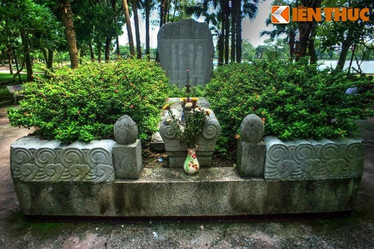 Phải đến cuối năm 1989, mộ cụ Tú được xây mới trên nền mộ cũ và sau vài lần trùng tu thì có diện mạo như ngày nay, với các cấu trúc đá vững chãi và giàu thẩm mỹ.