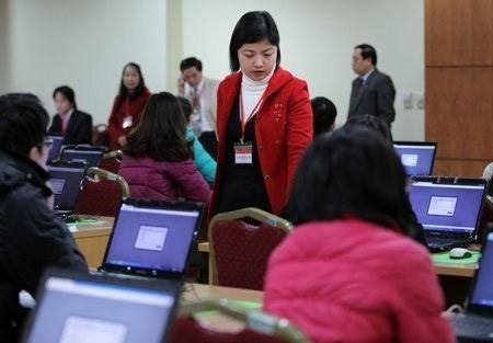 Thi tuyển công chức (ảnh: Zing.vn).
