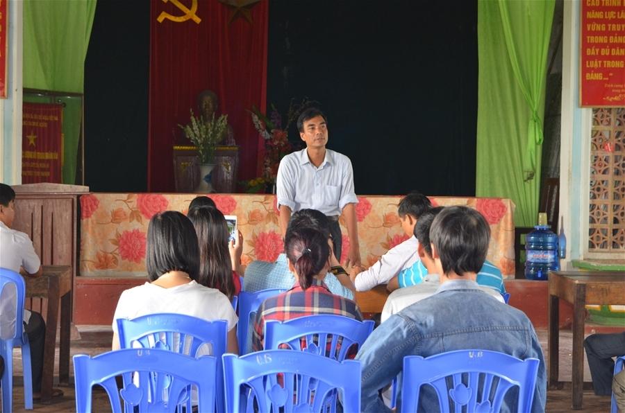 """Trưởng phòng TN-MT huyện Nam Trực Phạm Xuân Hưởng: """"Những đề xuất, kiến nghị của bà con sẽ được chúng tôi ghi nhận, tổng hợp và báo cáo cấp trên""""."""