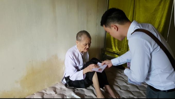 Nhà tình thương Sa Châu là nơi cưu mang nhiều người già, tàn tật, những số phận kém may mắn.