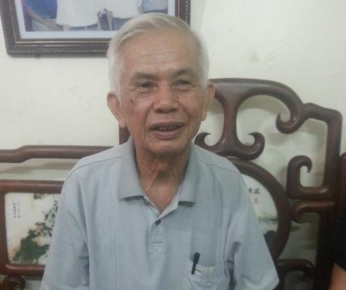 Ông Phạm Văn Hộ phải nghỉ hẳn dạy học vì tình trạng khản tiếng kéo dài