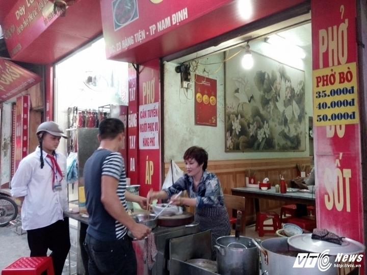 Phở chửi nổi tiếng Nam Định: Bán cho các sếp là chính
