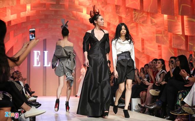 Nhà thiết kế người Thái Lan từng học tập và làm việc tại Paris. Sau khi kết hôn với đạo diễn người Việt, Nuchsuda chuyển về TP.HCM sinh sống.
