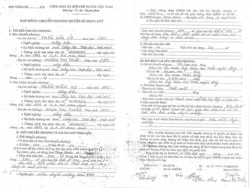 Hợp đồng chuyển nhượng QSDĐ như thế này, mà Tòa vẫn tuyên tiếp tục thực hiện Hợp đồng.